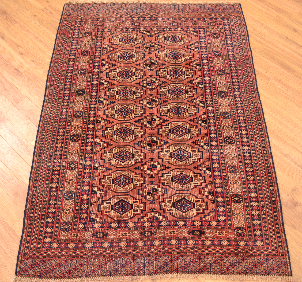 Antique Turkoman Rug: Antique Saryk Turkoman Rug 1.58x1.09m