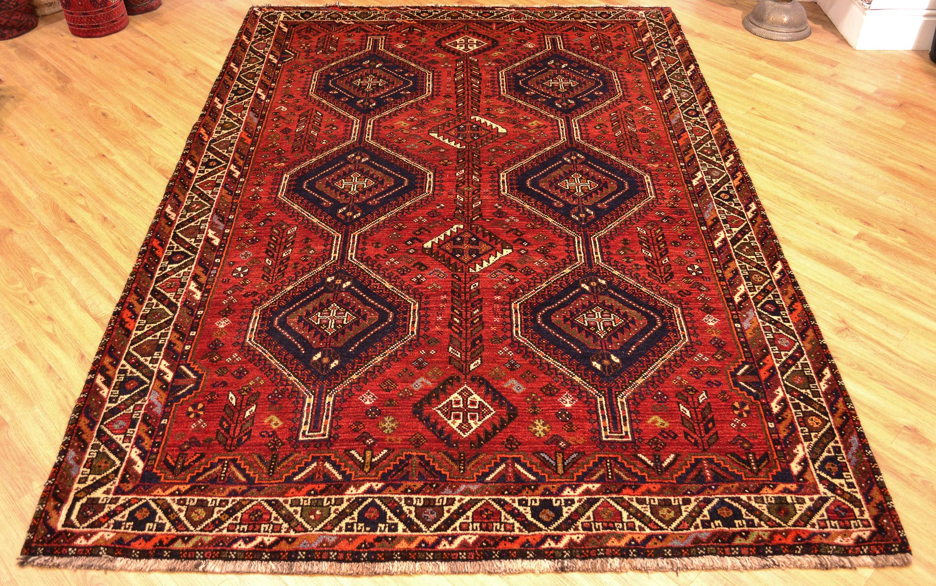 Persian Qashqai Carpet 2 52x1 80m The Oriental Rug Merchant